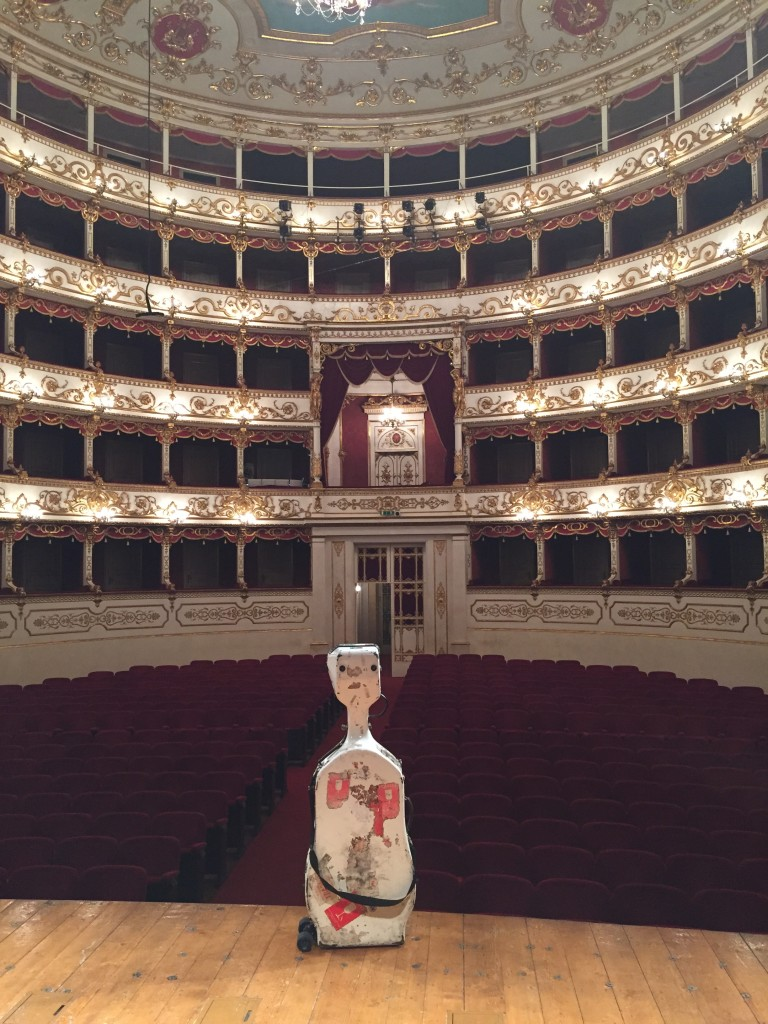 Lonelycello on stage in Reggio Emilia
